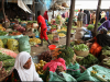 women-at-a-marketplace-in-mogadishu-somalia-ready-their-produce-for-sale-during-the-hoy-month-of-ramadan-on-july-11-ilyas-a-abukar